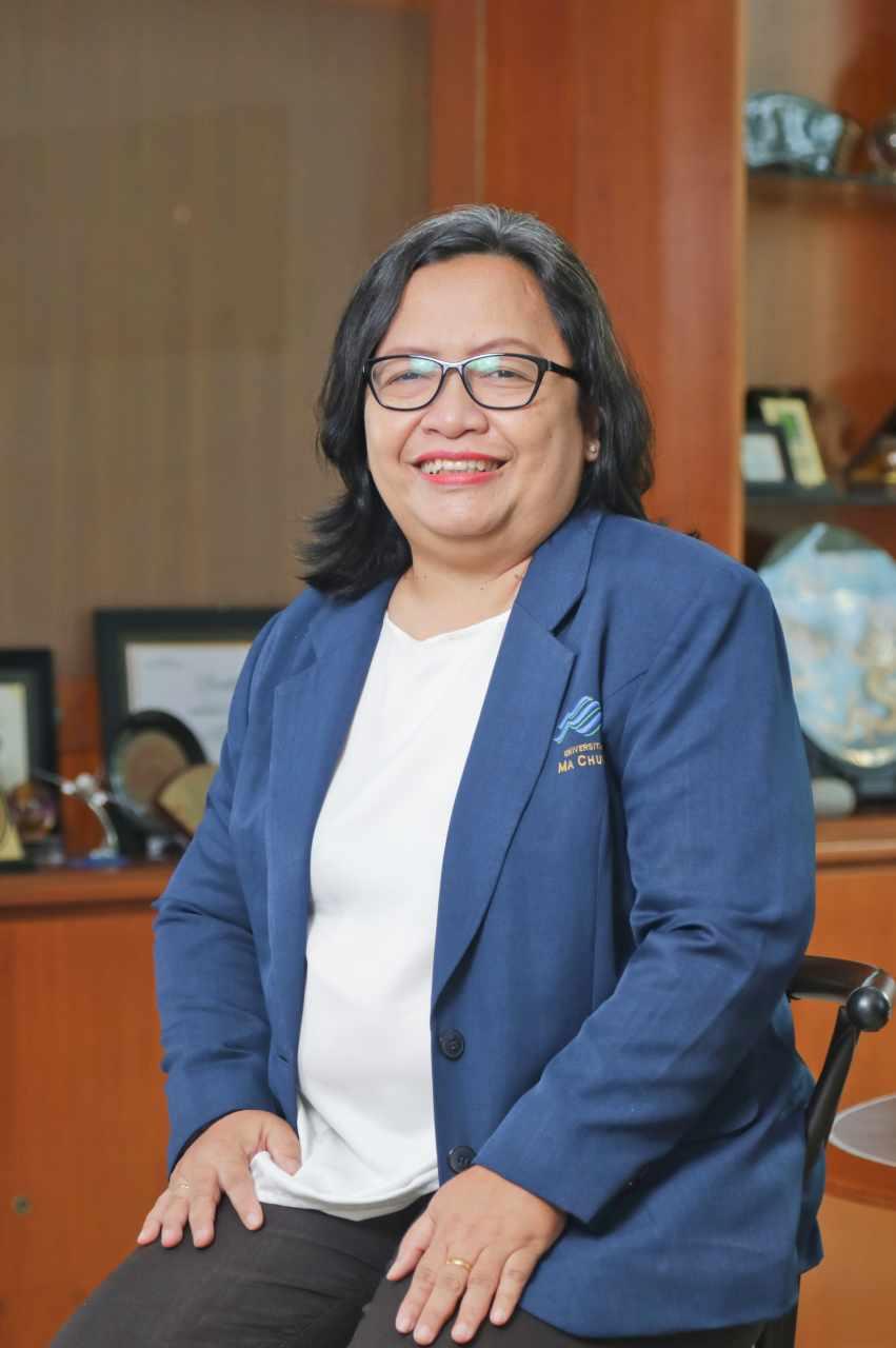 Dr. Anna Triwijayati